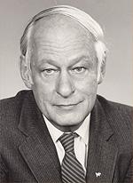M. René Lévseque.jpg
